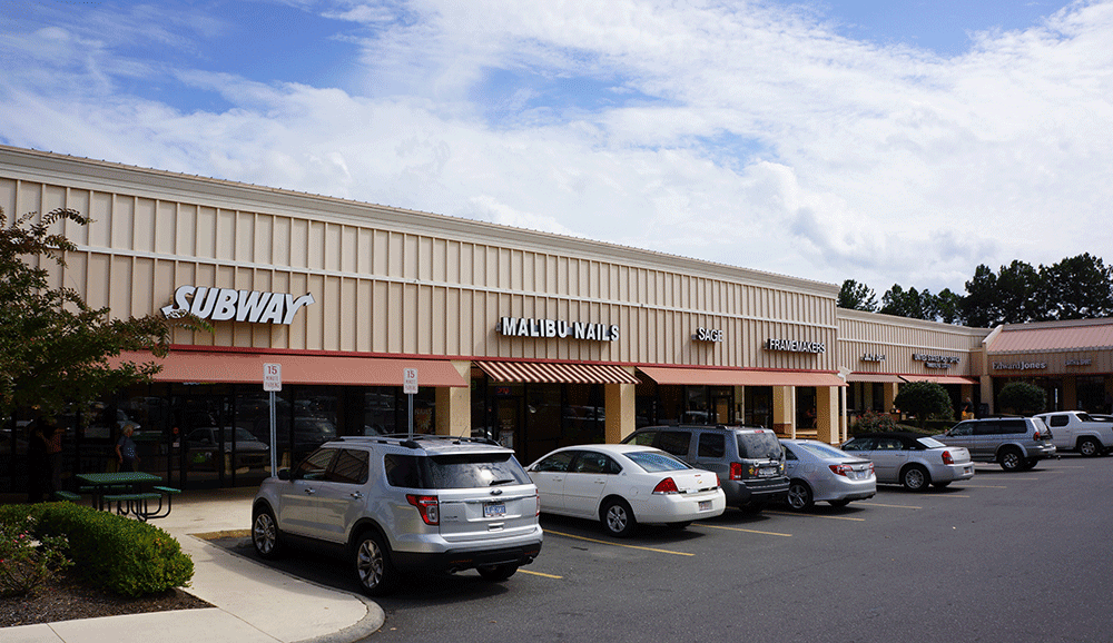 Timberlyne Shopping Center – 1129 Weaver Dairy Rd, Chapel, Hill, NC 27514