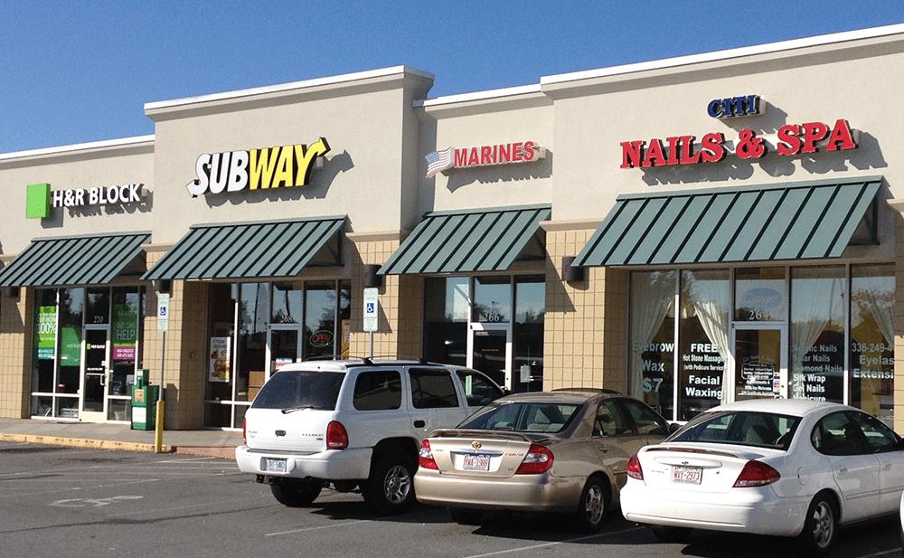 Lexington Shopping Center – 160 Lowes Blvd, Lexington, NC 27292
