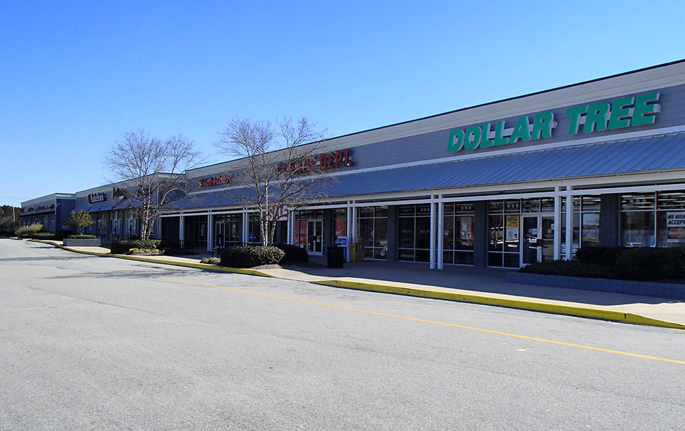 River Oaks Shopping Center – 114 River Oaks Dr, Tarboro, NC 27886