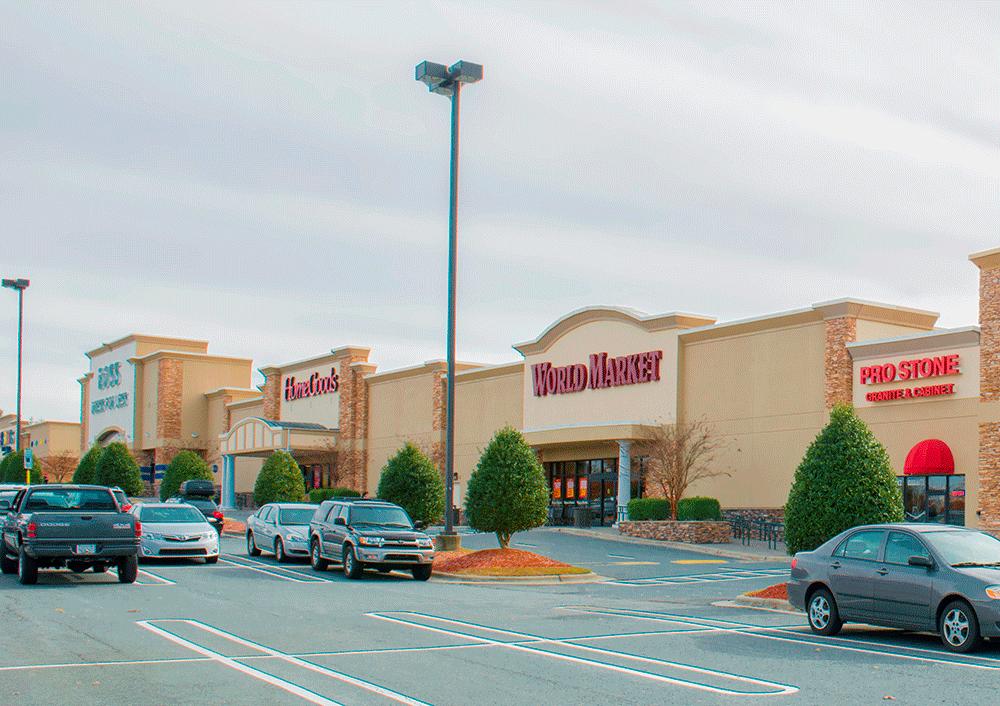 Hanes Commons – 1033 Hanes Mall Blvd, Winston-Salem, NC 27103