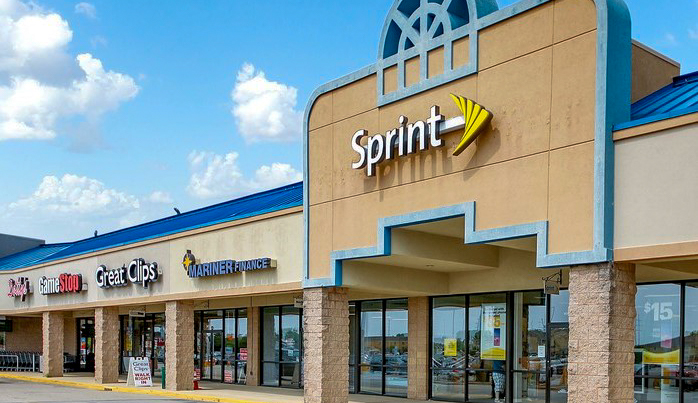 Parkway Pointe Plaza – 3405 Freedom Drive, Springfield, IL 62704
